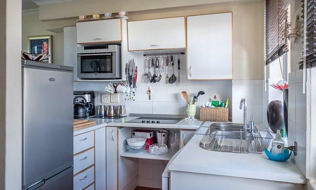 Jak okleić meble kuchenne?