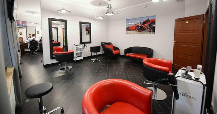Wózek fryzjerski – mobilna szafka na Twoje akcesoria fryzjerskie