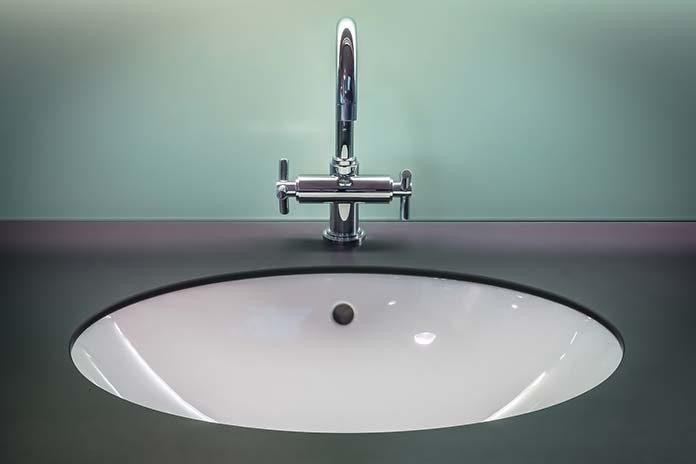 Bateria umywalkowa – jaką wybrać do swojej łazienki?
