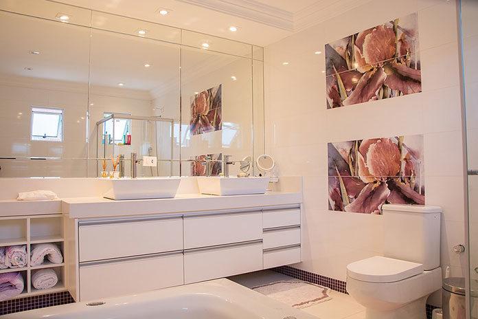 Jakie oświetlenie łazienkowe wybrać? O tym musisz wiedzieć, zanim dokonasz zakupu!
