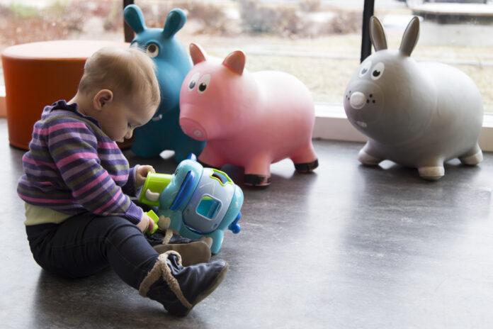 jaką zabawkę interaktywną wybrać dla dziecka?