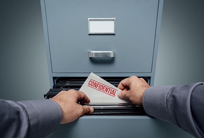 Jakie wymagania muszą spełniać szafy metalowe w firmie