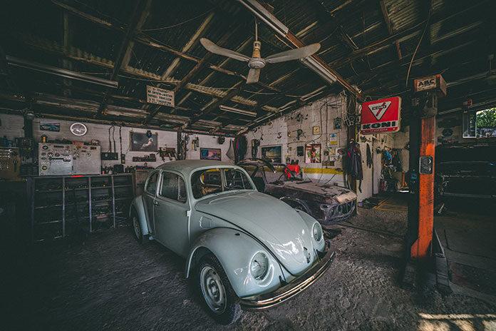 Czy warto postawić na podwórku blaszany garaż