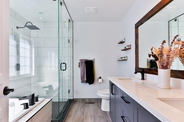 aranżacja łazienki w luksusowym stylu